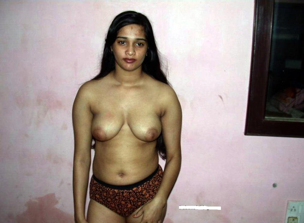 girls attracting boys with naked