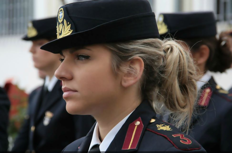 hot pics of russian army girls